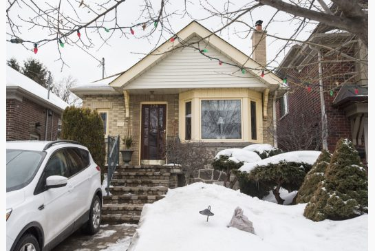 Average price for Toronto detached house passes $1M in February